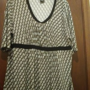 Pretty Tunic top by George Size 1X 16W